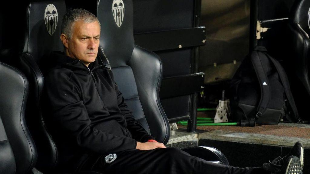 Jose Mourinho Dipecat Jadi Topik Terpanas Media Sosial