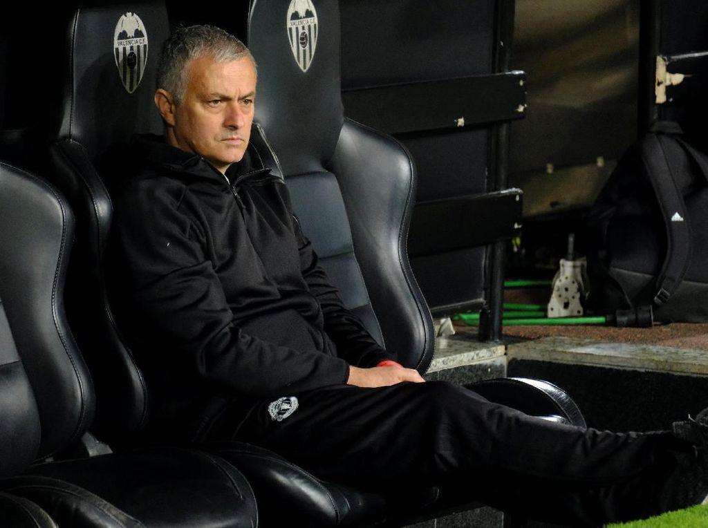 Mourinho Tak Terkejut MU Kalah