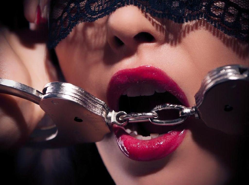 Pusar, Zona Sensitif Pria yang Bikin Seks Membara