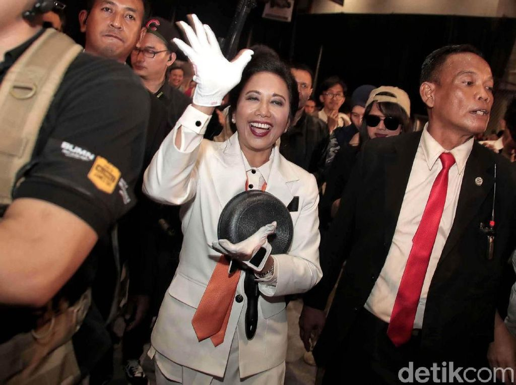 Rencana Menteri Rini Bentuk 8 Holding BUMN