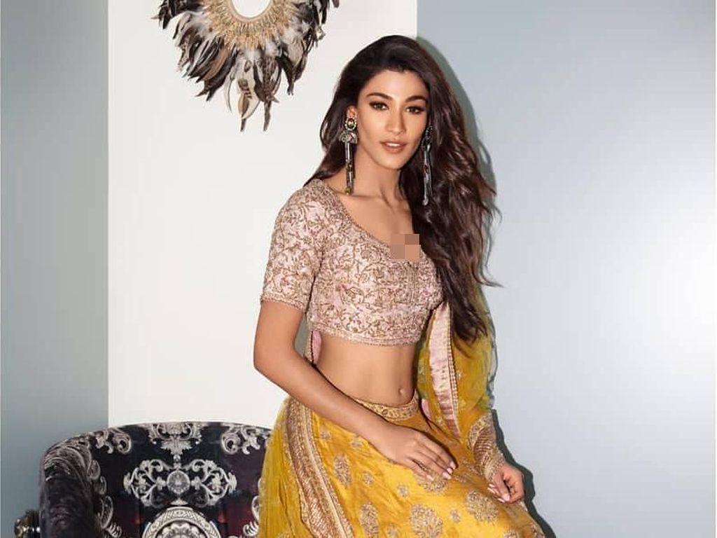 Finalis India Malfungsi Busana di Penjurian Miss Universe, Dadanya Mengintip