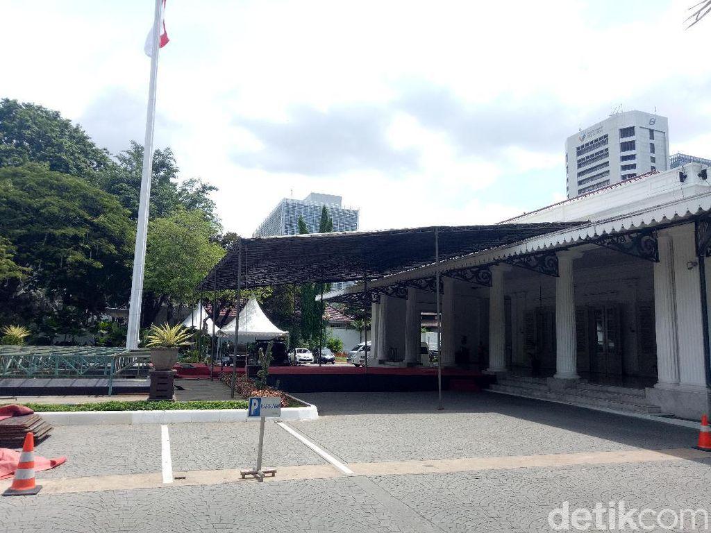 Rayakan Persija Juara, Dua Panggung Dipasang di Balai Kota