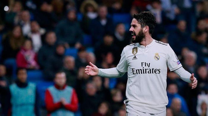 Isco dikabarkan akan minta dijual di musim panas kalau Santiago Solari masih melatih Real Madrid. Foto: Gonzalo Arroyo Moreno/Getty Images