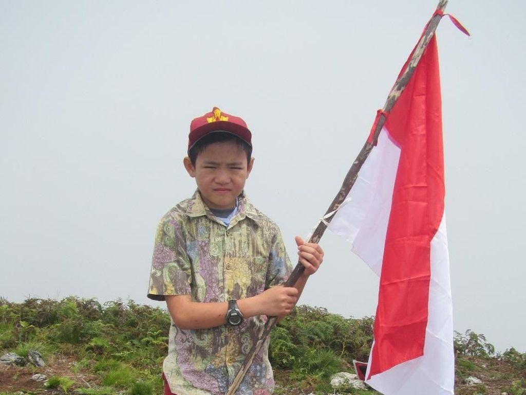 Usia 11 Tahun, Matthew Sudah Mendaki 21 Gunung Indonesia