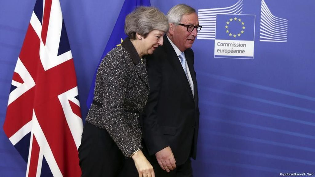 Menangkan Mosi Kepercayaan Partai, Theresa May Kembali ke Brussels