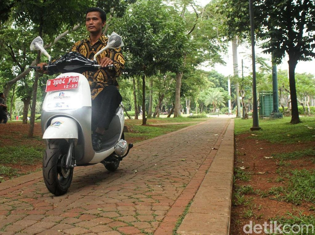 Motor Listrik Mengaspal Perdana di Jakarta dan Bali