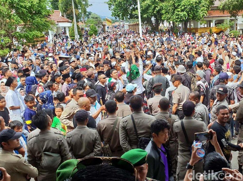 Kaleidoskop 2018: Euforia Massa Rayakan OTT Bupati Cianjur