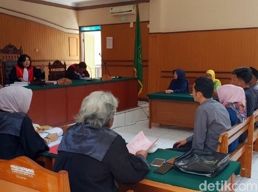 Sawer Duit Rp 2.000 ke Warga, Caleg NasDem Cianjur Disidang