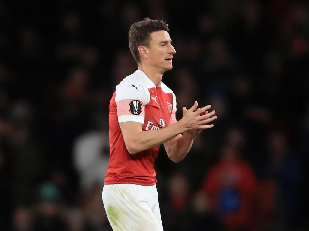 Konflik Koscielny-Arsenal Bikin Wenger Terkejut
