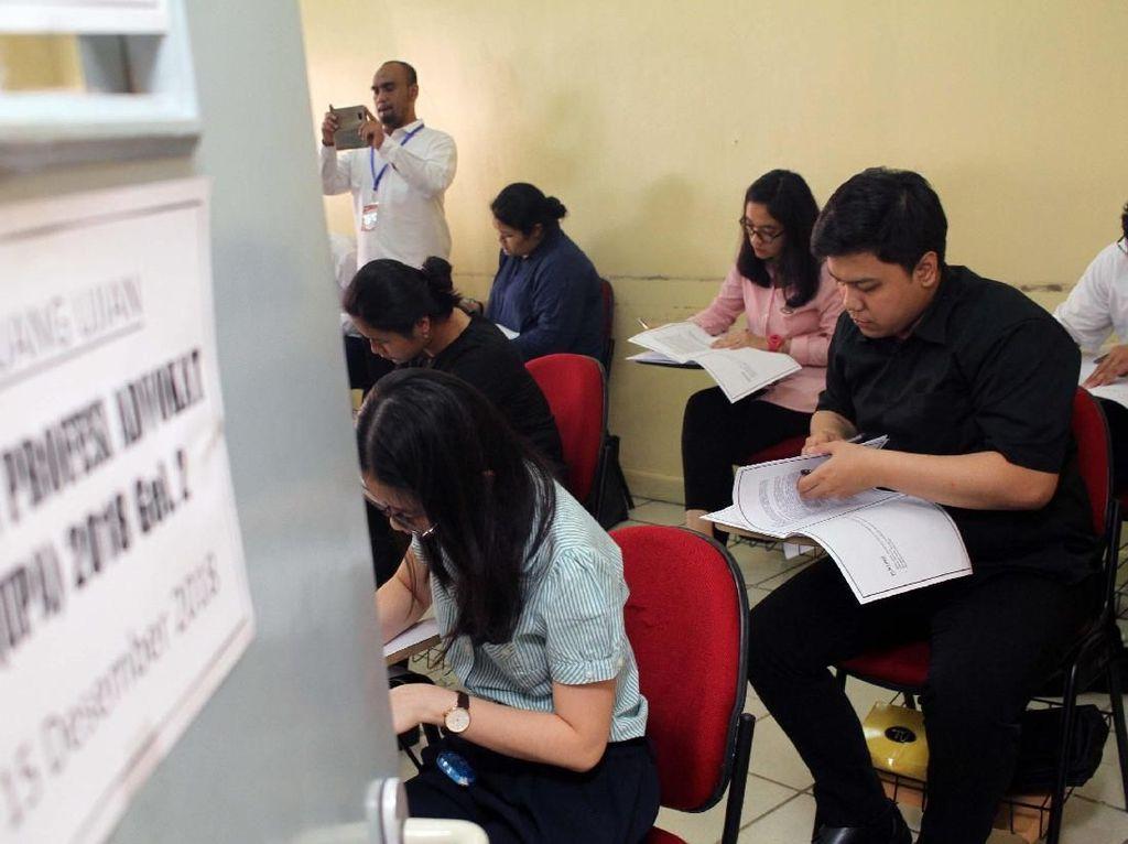 Ribuan Orang Ikuti Ujian Profesi Advokat