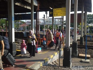 Puncak Arus Balik Libur Tahun Baru di Daop 3 Cirebon Diprediksi Hari Ini