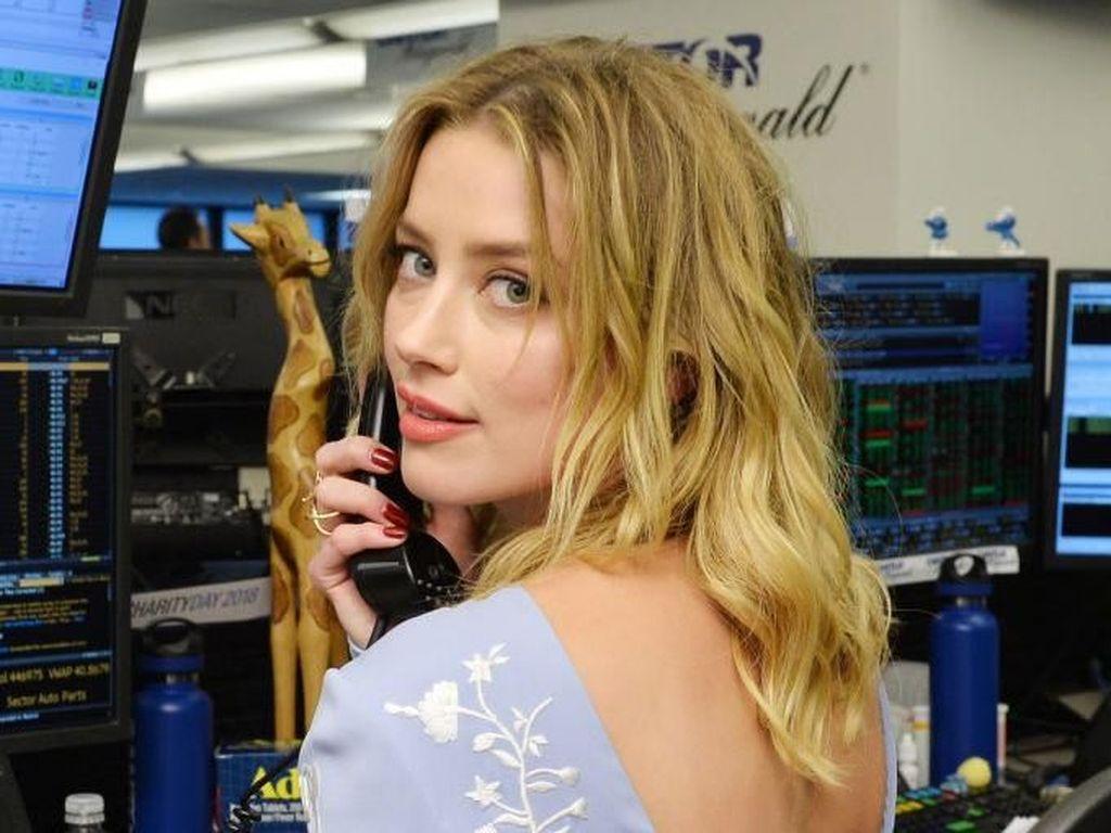 Ungkap KDRT Johnny Depp, Amber Heard Ngaku Dapat Ancaman Pembunuhan