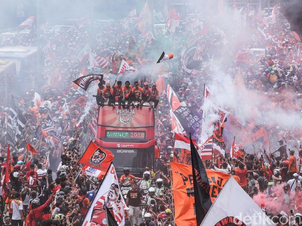 Liga 1 2018: Persija Juara, Persib Dihukum tapi Diringankan