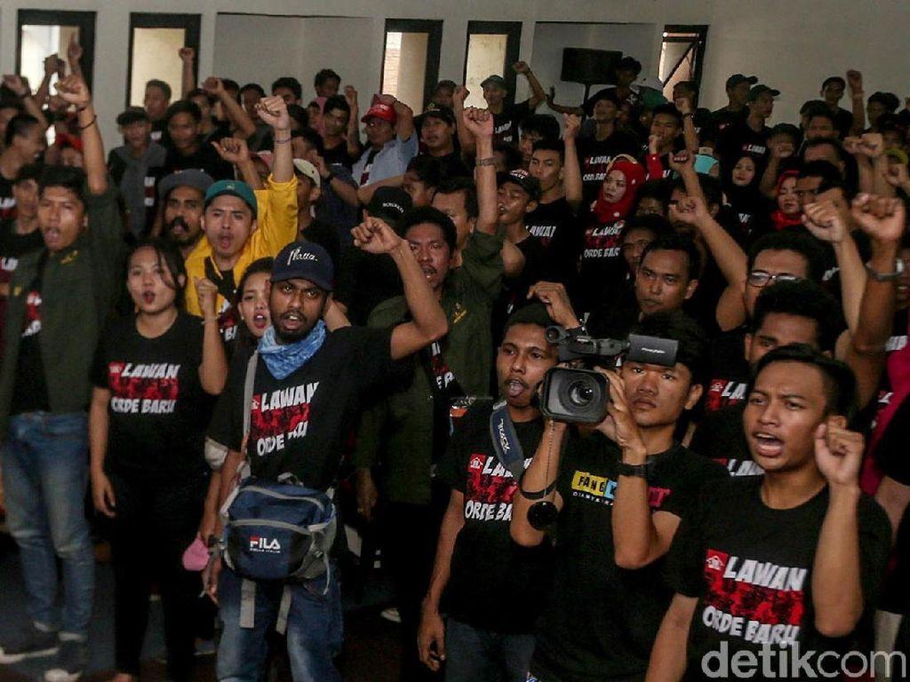 Tolak Kembalinya Kejayaan Orba, Aktivis Deklarasikan Lawan Orde Baru