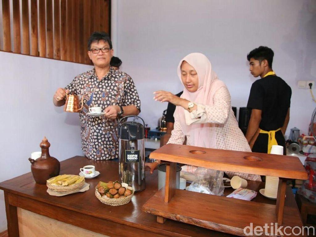 Ngopi di Pasar Tradisional Banyuwangi Tak Kalah dengan di Kafe