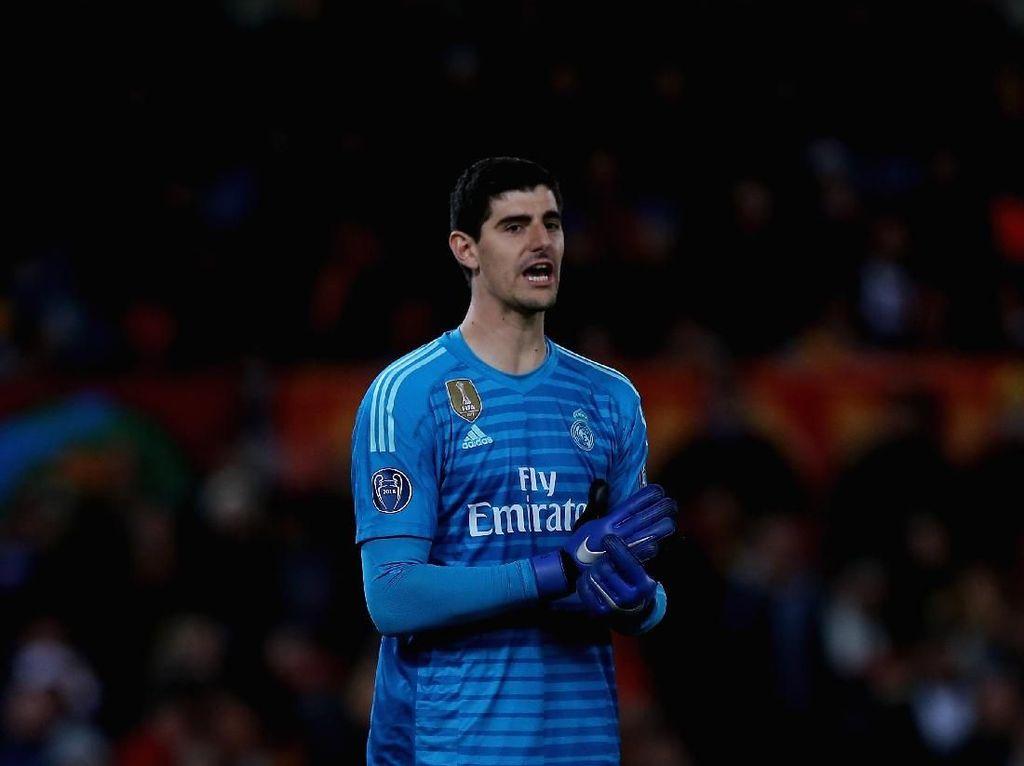 Courtois Tak Bisa Pakai Nomor 1 Madrid Meski Navas Sudah Hengkang