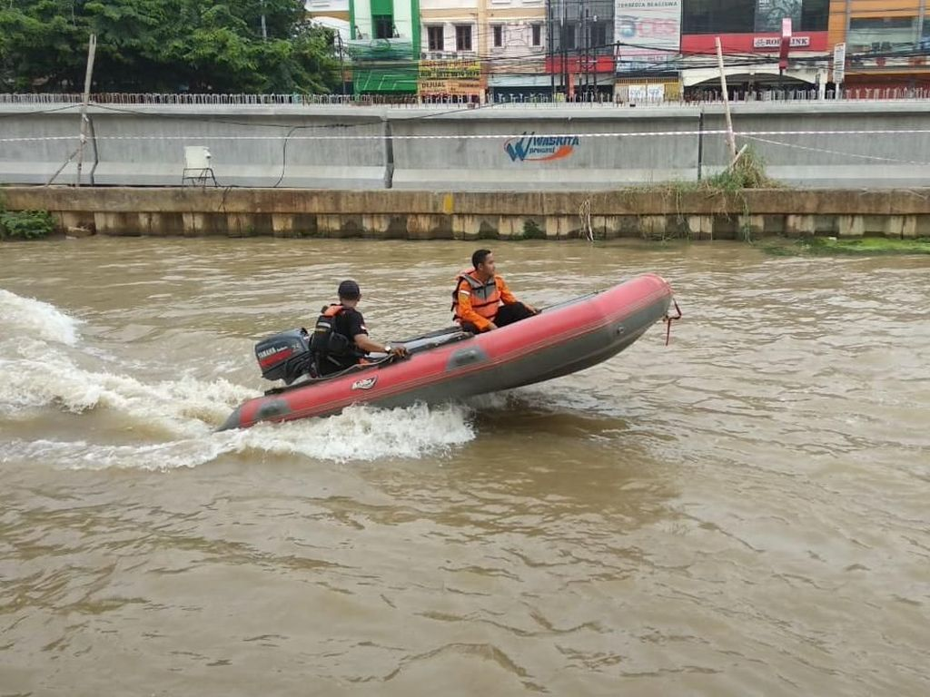 Tolong! Bocah Hilang Tenggelam di Kalimalang Bekasi