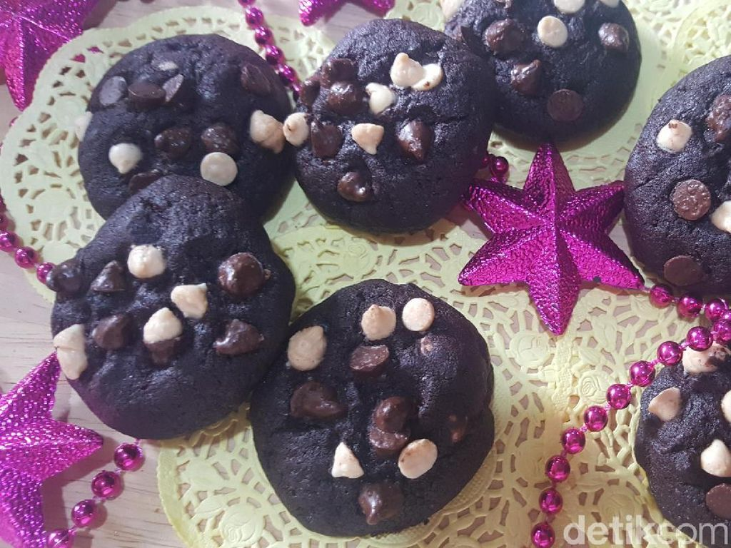 Resep Kue:  Chewy Double Chocolate Cookies