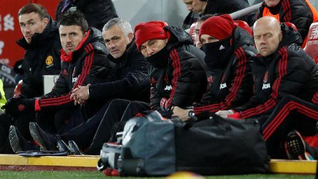 Jose Mourinho menyatakan cara main Manchester United saat ini adalah cara terbaik yang mereka bisa lakukan menilik materi pemain yang dimiliki.