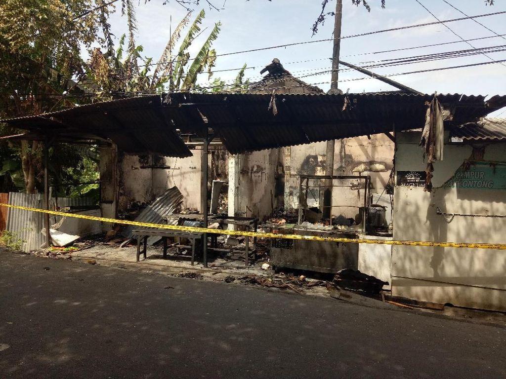 Tabrak Kios Bensin di Bali, Pemotor Tewas dan Warung Terbakar