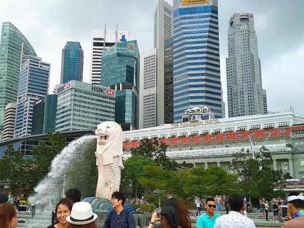 WNI Diizinkan Masuk Singapura, Viral Pramugari Tenangkan Bayi di Pesawat