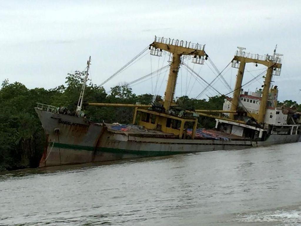 Misteri Kapal Hantu di Sungai Kalimantan