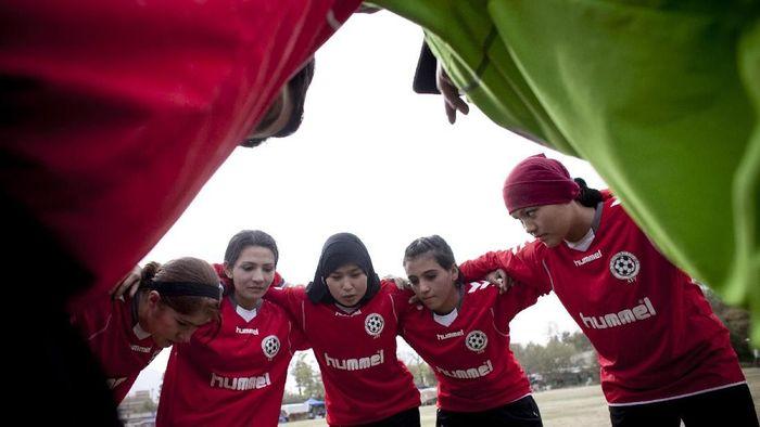 Beberapa anggota timnas putri Afghanistan dikabarkan menjadi korban pelecehan seksual (Majid Saeedi/Getty Images)