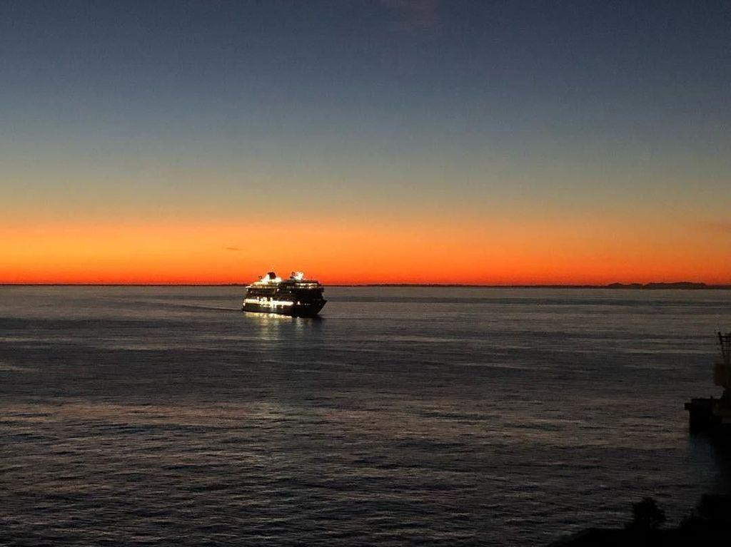 Foto: Susi Pudjiastuti dan Sunrise Indah Monaco