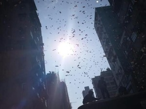 Kontroversi Hujan Duit: Tung Dasem Waringin hingga Jutawan Hong Kong
