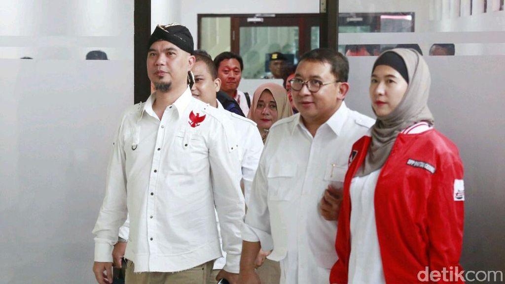 Bacakan Pledoi, Ahmad Dhani Ditemani Fadli Zon dan Mulan
