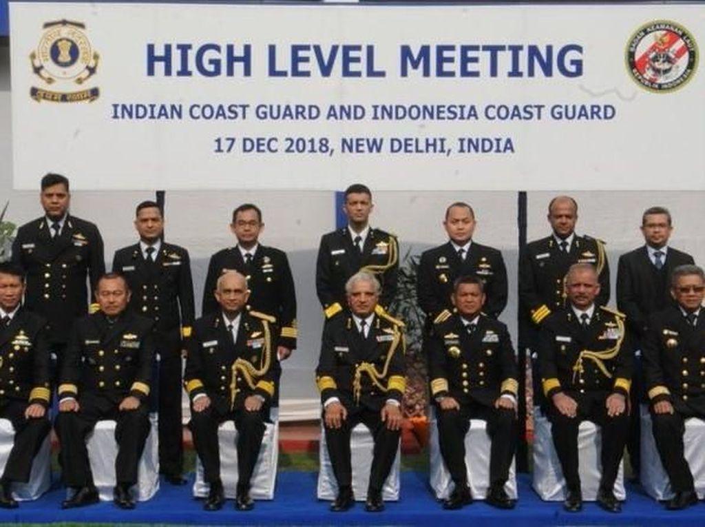 Kepala Bakamla Bertemu Petinggi Indian Coast Guard, Apa yang Dibahas?