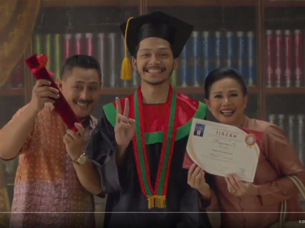 Melihat Iklan Gerindra soal Sarjana yang Susah Dapat Kerja
