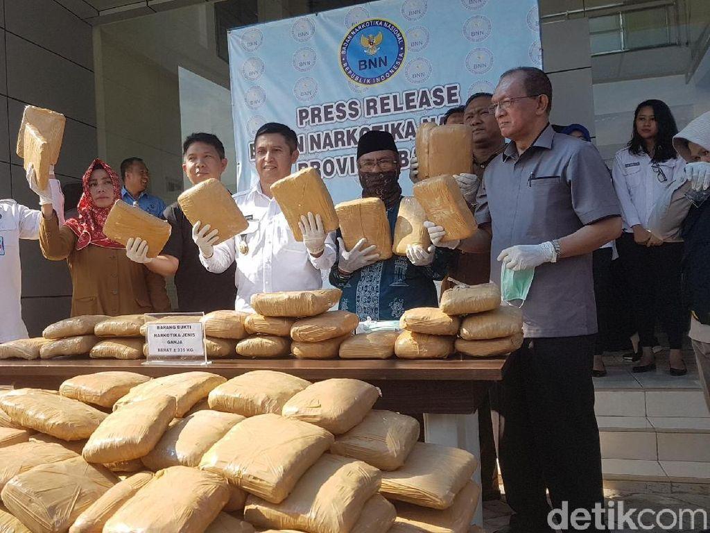 BNN Banten Ungkap Pengiriman Ganja 335 Kg Via Kargo