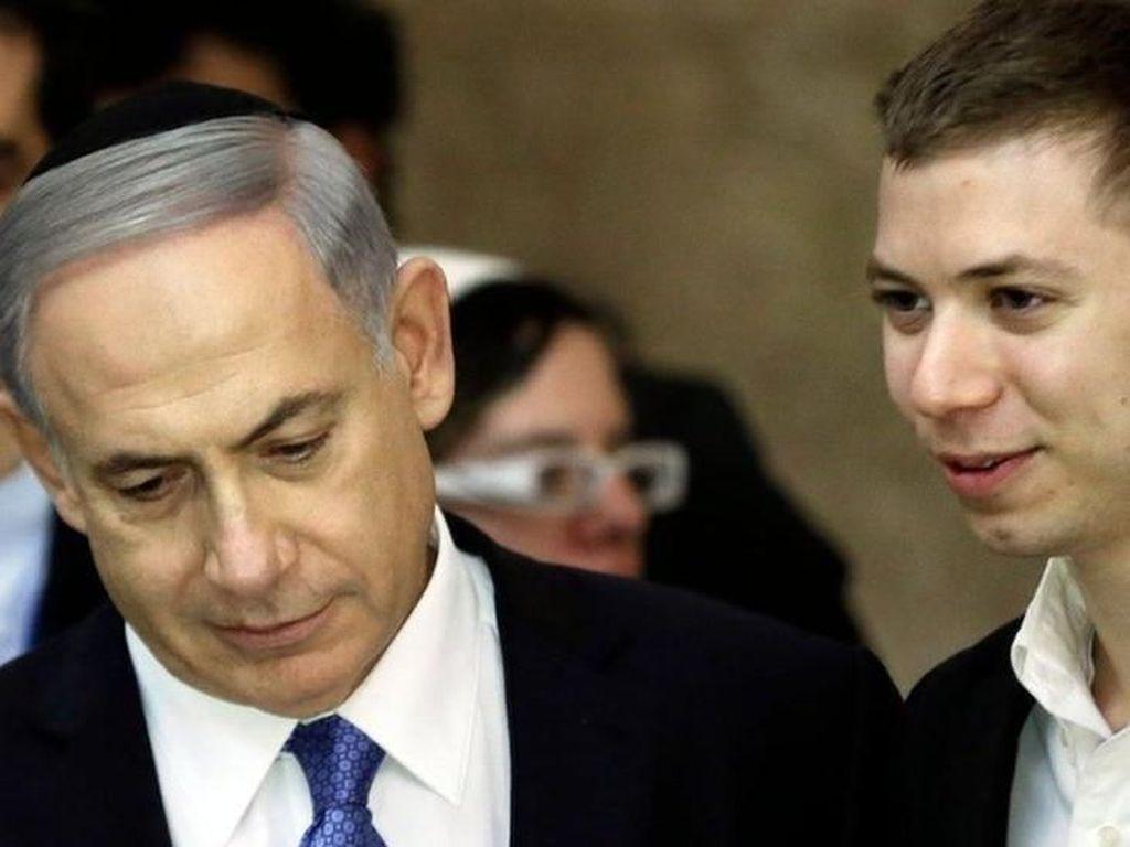 Dilarang Komentar Anti-Muslim, Putra PM Israel Sebut Facebook Diktator