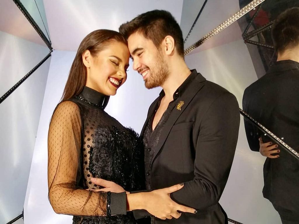10 Momen Mesra Miss Universe 2018 Catriona Gray dan Pacar Gantengnya