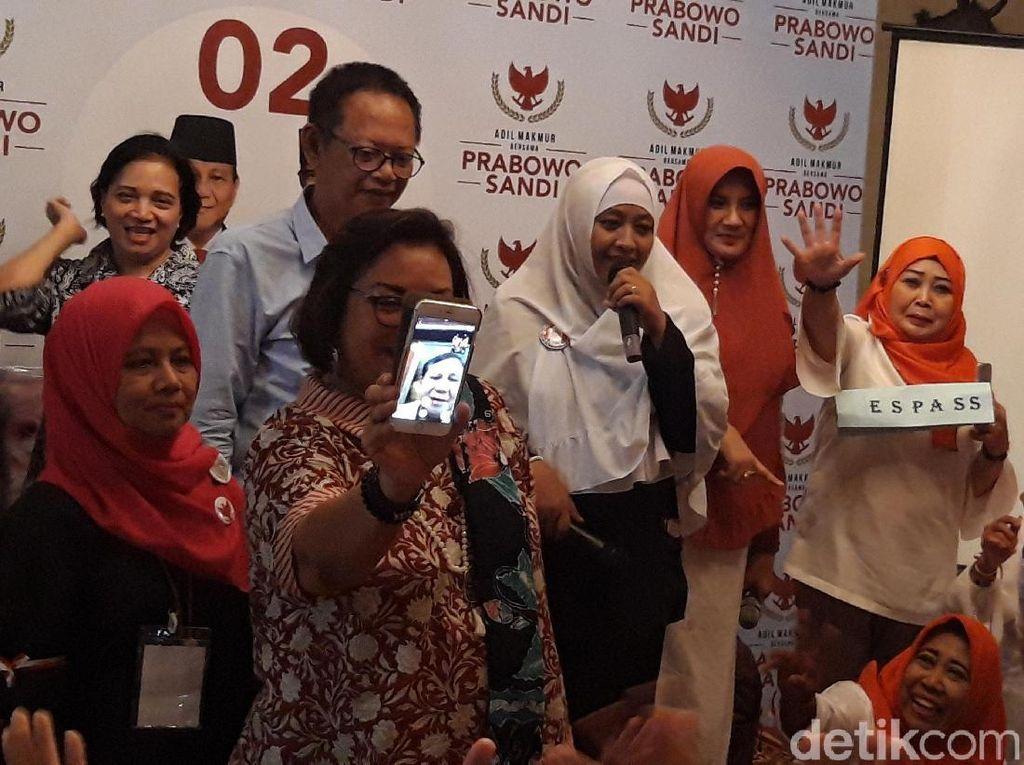 Lewat Video Call, Prabowo Sapa Emak-emak Pendukungnya di Yogya