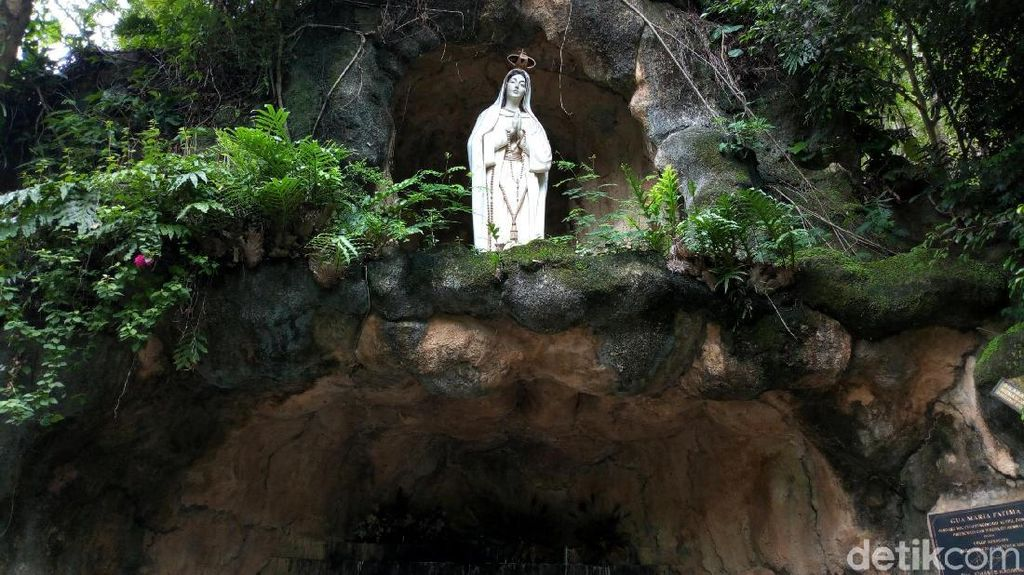 Foto: Gua Maria Fatima yang Penuh Kedamaian di Ponorogo