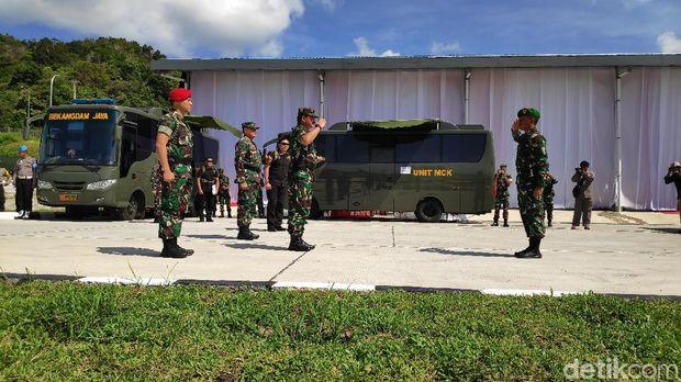 Panglima TNI Marsekal Hadi Tjahjanto meresmikan Satuan TNI Terintegrasi Natuna di Faslabuh Selat Lampa, Kepulauan Riau.