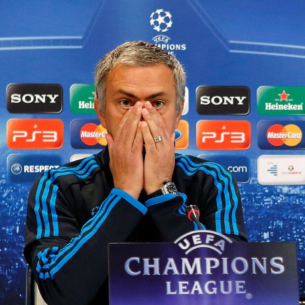 Serangan Balik Mourinho ke Manchester United