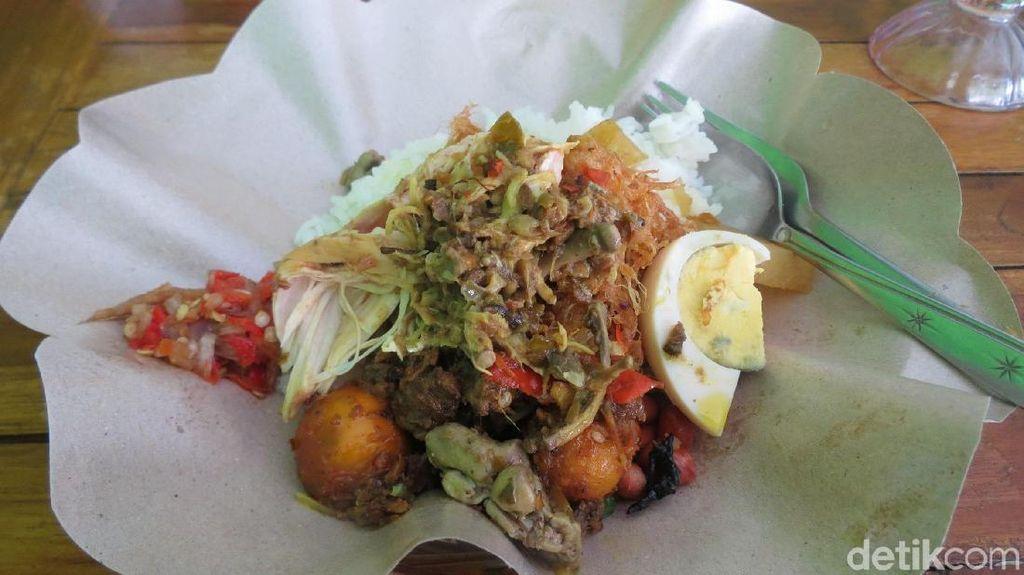 Foto: Ayam Betutu Lezat Ala Warung Enak di Kuta