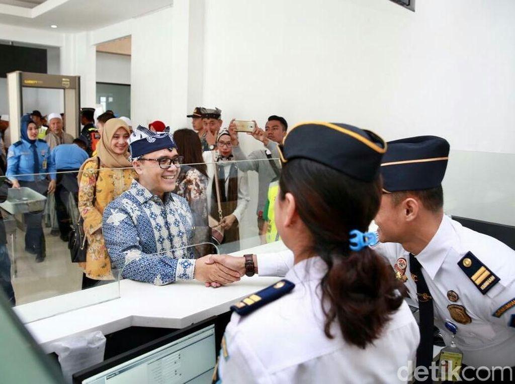 Diiring 300 Anak Yatim, Bandara Banyuwangi Layani Rute Internasional