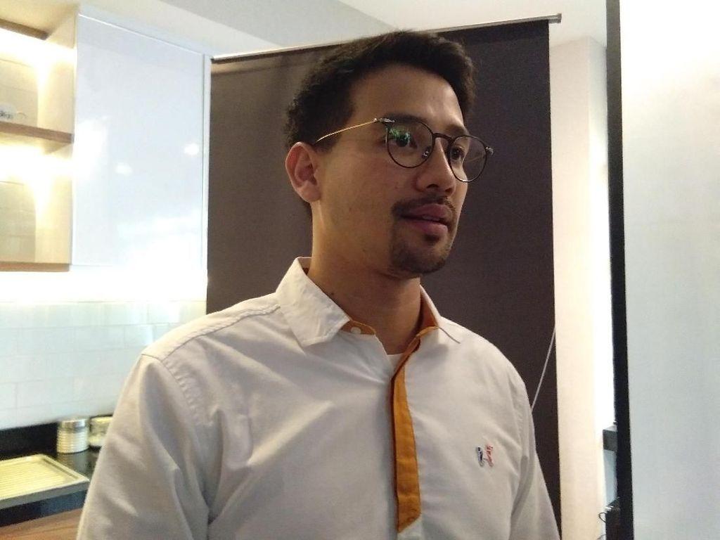 Adik Billy Syahputra Disebut Jadi Tukang Parkir, Tarra Budiman: Selagi Halal Kenapa?
