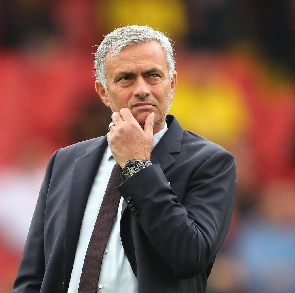 Mourinho Dituding Sengaja Agar Dipecat MU