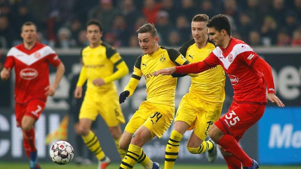 Dortmund Tumbang!