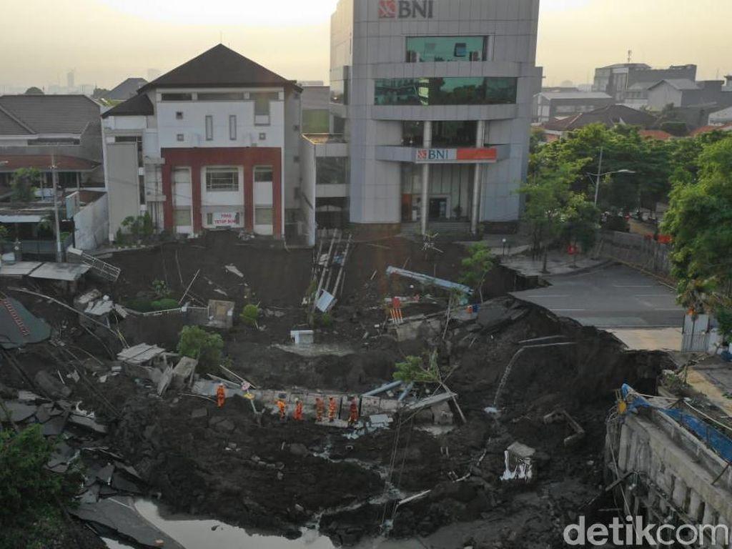 Jalan Gubeng Ambles, Polda Jatim Periksa Lima Orang Saksi