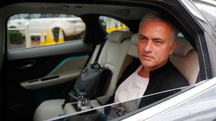 Jose Mourinho belum siap pensiun melatih. (Foto: Phil Noble/Reuters)