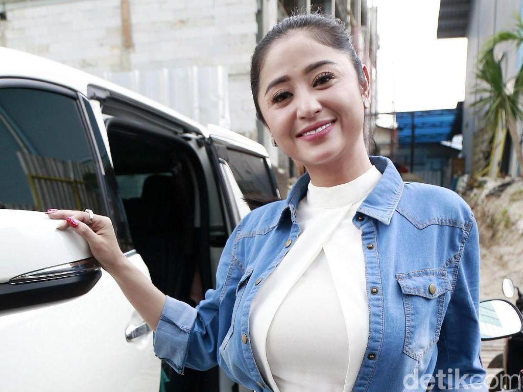 Dewi Perssik Pinjamkan Rumah dan Beri Catering Gratis untuk Aldi Taher Menikah