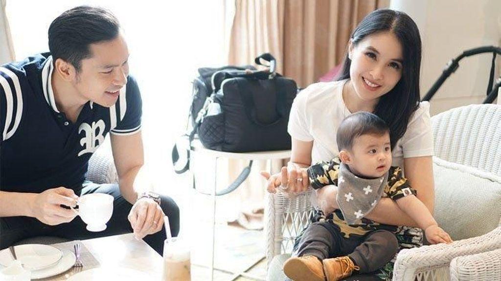 Momen Manis Harvey Moeis dan Sandra Dewi Saat Ngopi dan Makan Malam