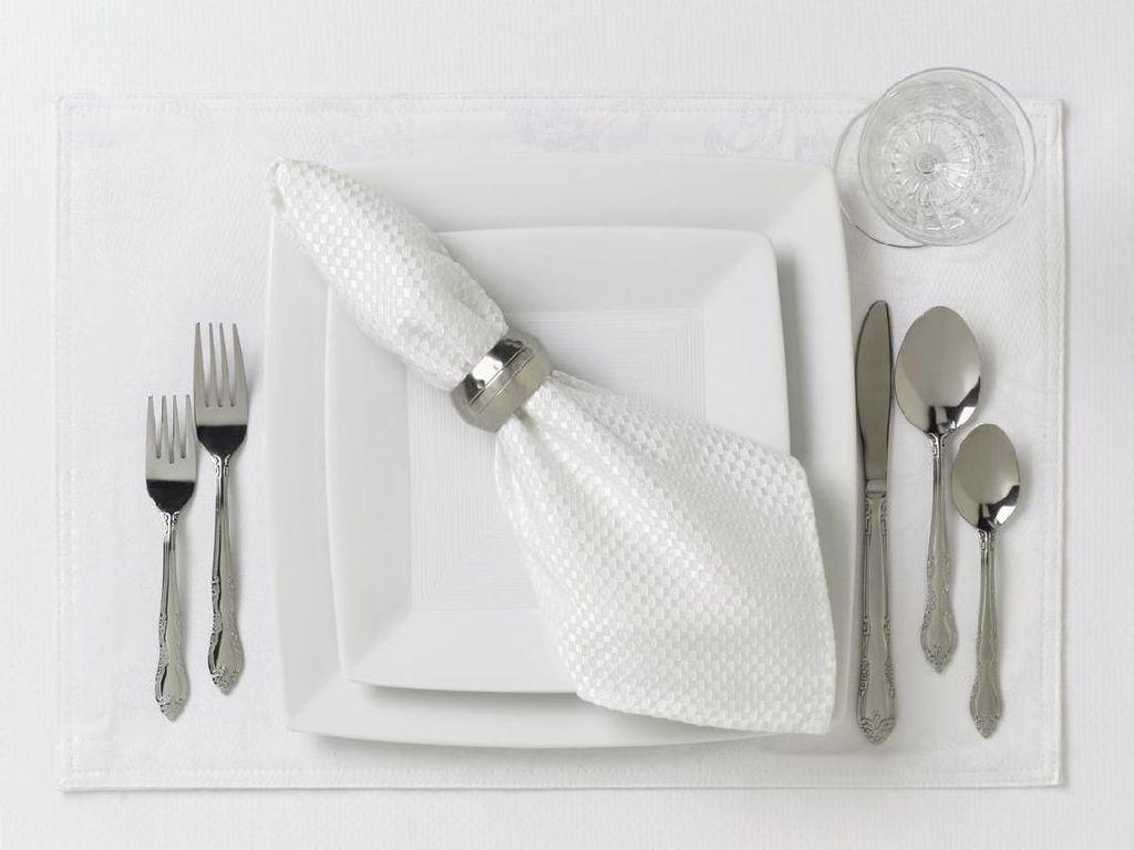 7 Etiket Makan Saat Jamuan Perayaan Natal