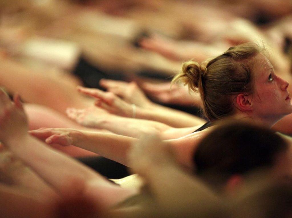 Aqua Yoga, Pilihan Olahraga untuk Atasi Masalah Sendi Otot
